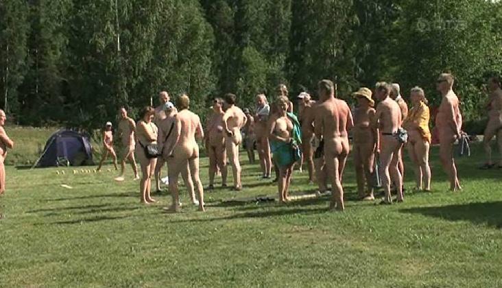 suominaiset alasti jalkahieronta helsinki