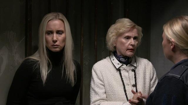 Jakso 3488: Camilla ja äidin syli