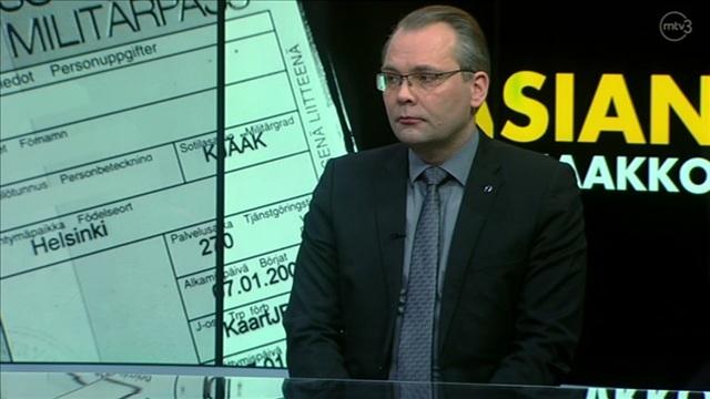 3. Vieraina puolustusministeri Jussi Niinistö ja SDP:n varapuheenjohtaja Sanna Marin