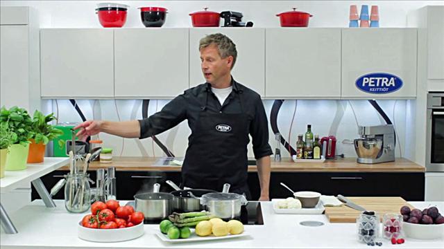 Aki kokkaa Petra-keittiössä, osa 3, Keittiön varusteet ja ominaisuudet