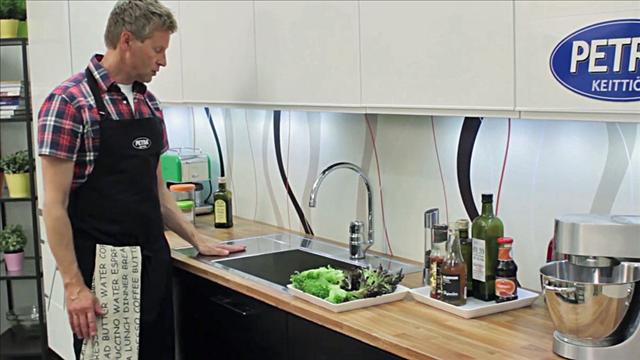 Aki kokkaa Petra-keittiössä, osa 4, Kätevä tiskiallas