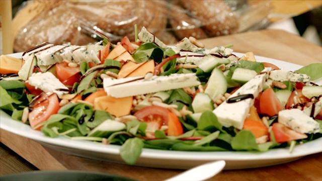 Mitä tänään syötäisiin?, Jakso 206: Persimon-kanasalaatti