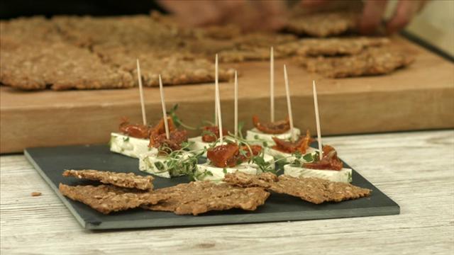 Mitä tänään syötäisiin?, Jakso 192: Marinoitu kotijuusto ja suolapähkinänäkkileipä
