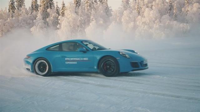 4. Porsche 911 Carrera 4 GTS:n ratissa
