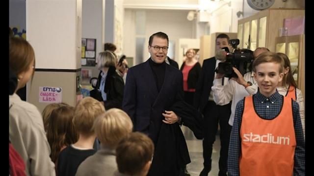 Kuninkaalliset, Iloinen prinssi Daniel hurmasi Helsingissä