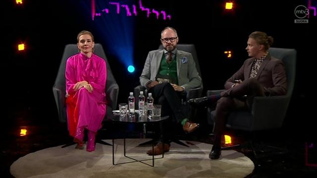 Enbuske, Veitola ja Salminen, Jakso 4: Vieraina mm. Jani Toivola, Laura Birn ja Aleksi Salmenperä